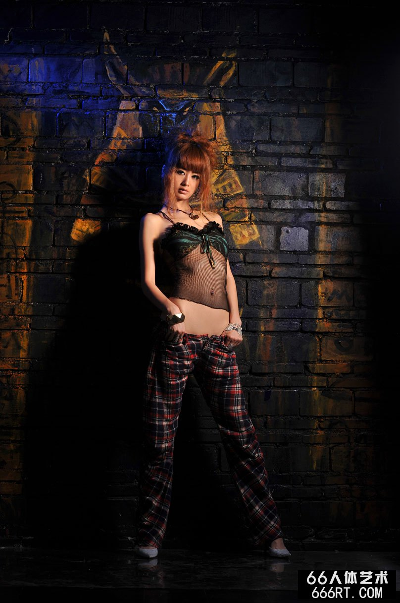 美模yumi09年5月25日室拍傲人身材_gog0全球高清人体摄影