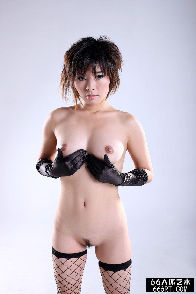 超模晓灵09年1月5日棚拍妖娆黑丝袜人体