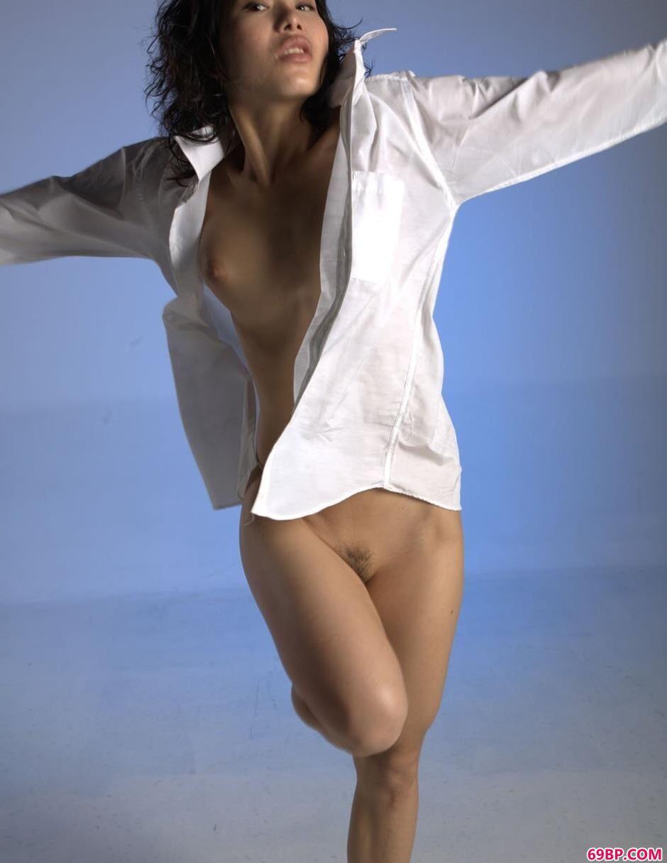 小雪棚拍衬衫人体_西西人体47高清图片