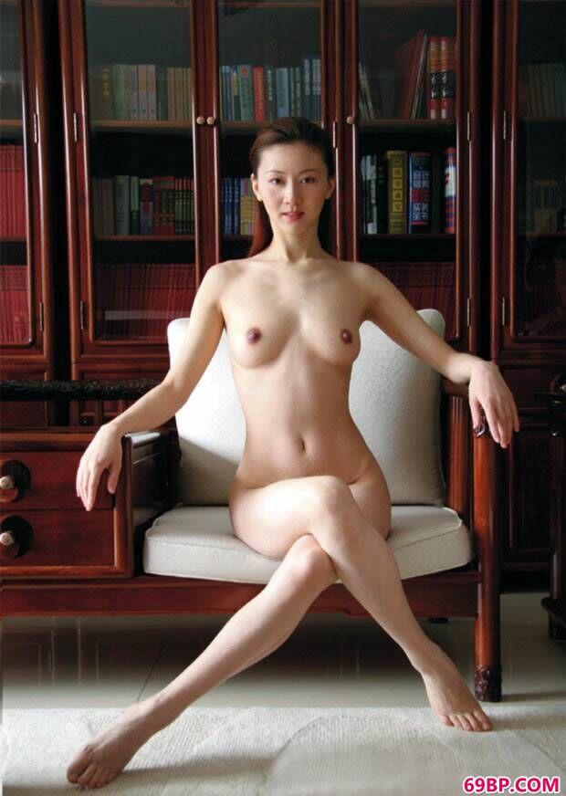 汤加丽艺术写真套图之《果茶抽油瘦》_西西人体一级艺术图片大全