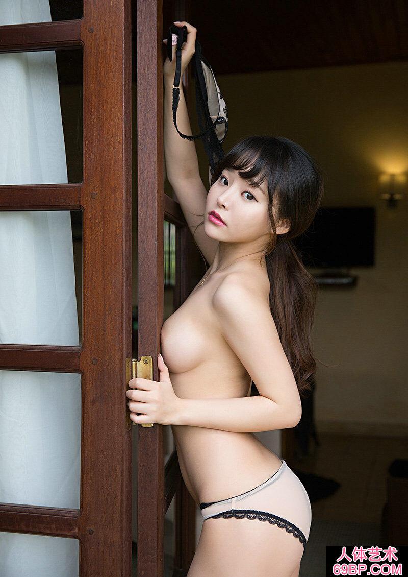 清纯可爱大胸妹柳侑绮西西内裤人体
