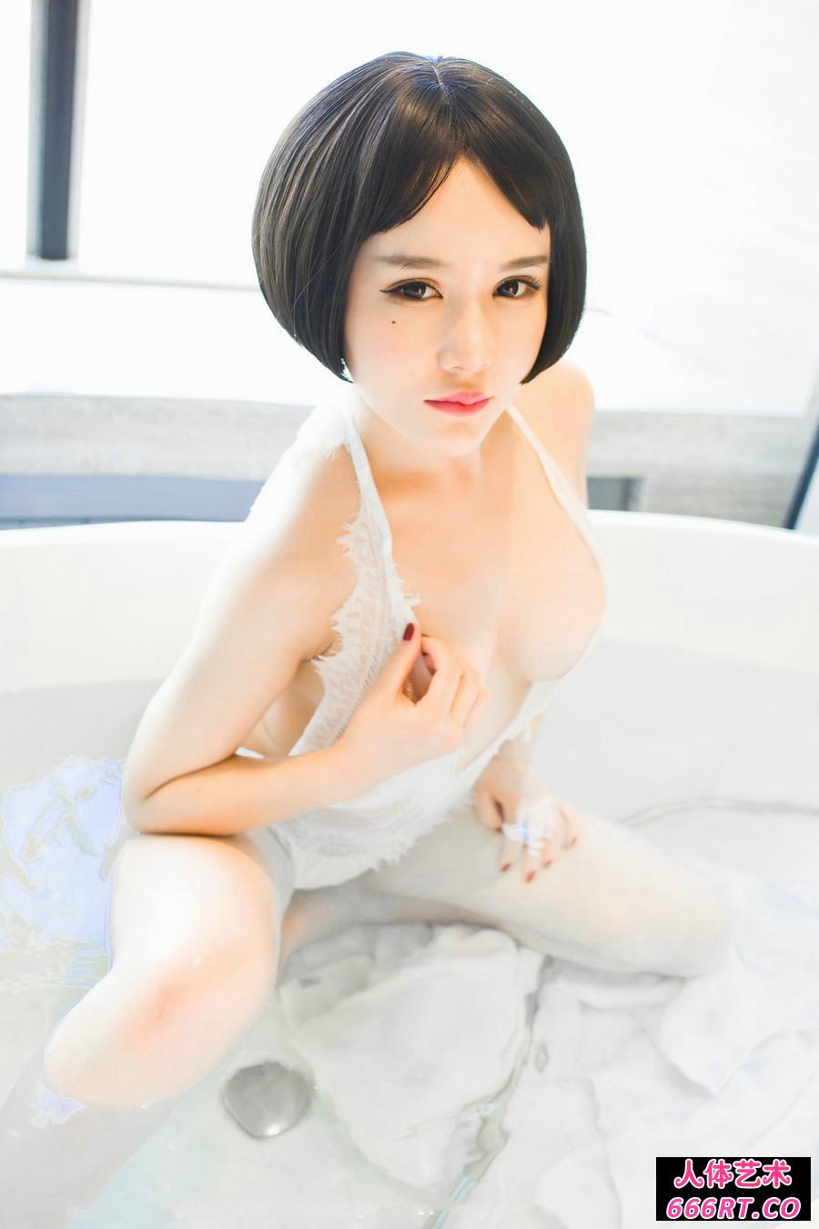 丰腴甜美的佑熙绝色销魂沐浴照