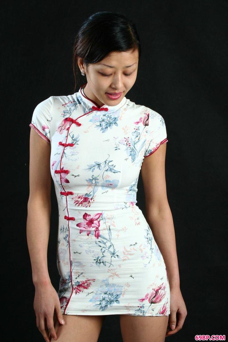 许晓旗袍美体棚拍_西西人体奉献图片