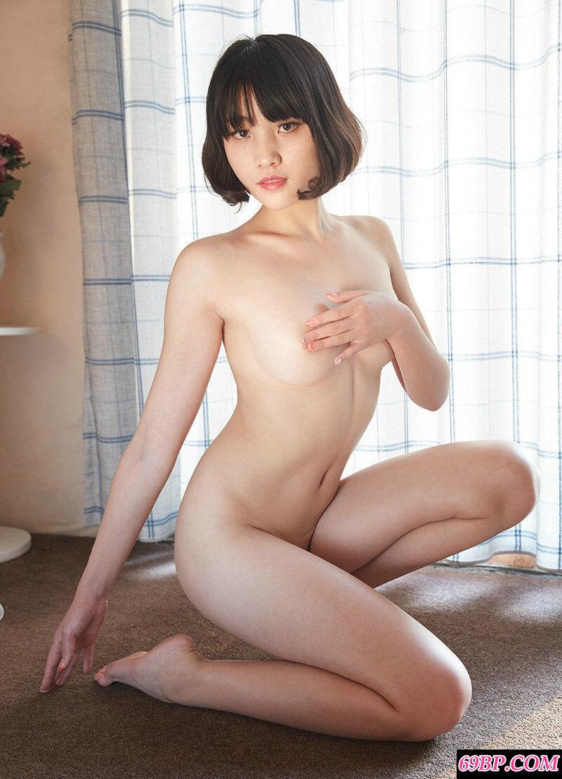 网络名媛COCO一丝不挂全裸人体写真