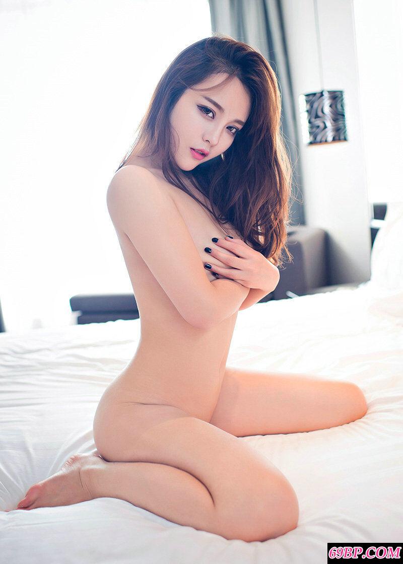狐媚女王珍妮花室拍艳丽内裤艺术照